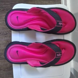 NIKE Woman's Thong Sandals